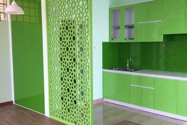 Tủ bếp chữ I gỗ acrylic màu xanh lá nổi bật TBARL-005