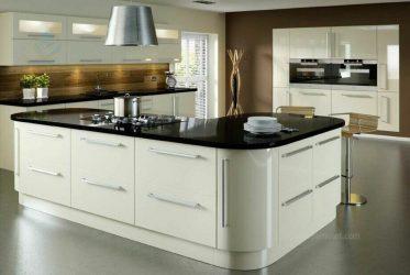 Mẫu tủ bếp kết hợp ốc đảo bo cạnh