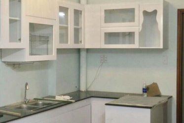 Thi công tủ bếp gỗ công nghiệp MDF cho căn hộ CC Hưng Ngân