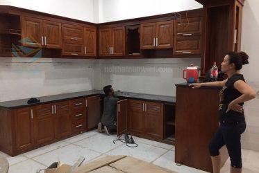Thiết kế thi công tủ bếp gỗ tự nhiên nhà Chị Huyền ở Bình Thạnh