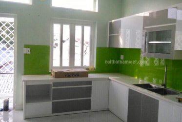 Thiết kế thi công tủ bếp Acrylic hiện đại nhà anh Phúc Quận 7