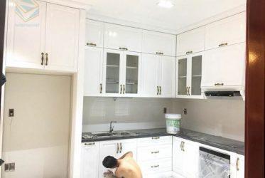 Thiết kế thi công tủ bếp gỗ sồi tự nhiên nhà Anh Thuận Q9