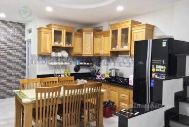Thiết kế thi công lắp đặt tủ bếp gỗ sồi TBGS-004
