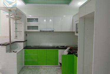 Thi công tủ bếp có quầy bar gỗ Acrylic An Cường chữ U TBARL-033