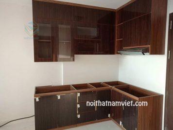 Tủ bếp gỗ MDF phủ Laminate màu vân gỗ thiết kế hiện đại LM-1003