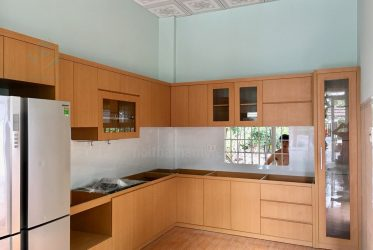 Mẫu tủ bếp gỗ mdf phủ melamine vân gỗ đẹp giá rẻ MM-0001