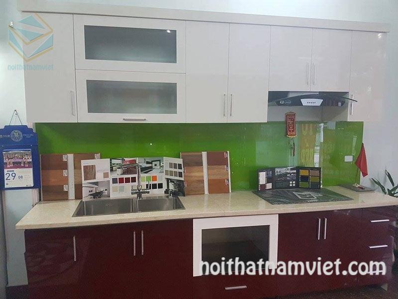 Tủ bếp gỗ Acrylic màu trắng kết hợp đỏ đô đẹp hiện đại AC-2056