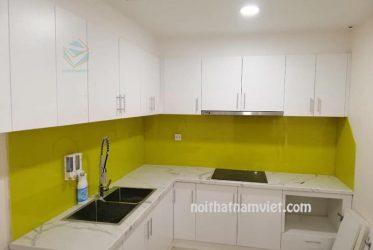 Mẫu tủ bếp Acrylic An Cường chữ L màu trắng đơn giản AC-2066