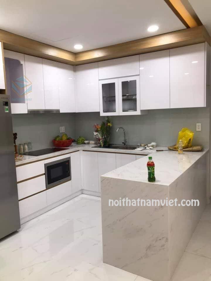 Gía tủ bếp gỗ Acrylic bóng gương TPHCM chữ U và bàn đảo AC-2096