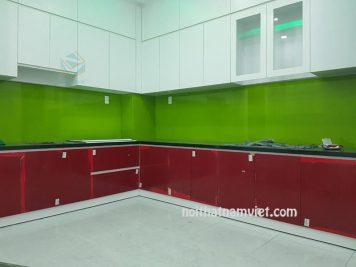 mẫu tủ bếp gỗ acrylic
