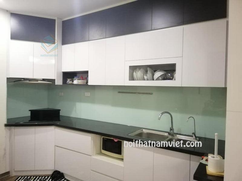 tủ bếp gỗ acrylic màu trắng đẹp hiện đại