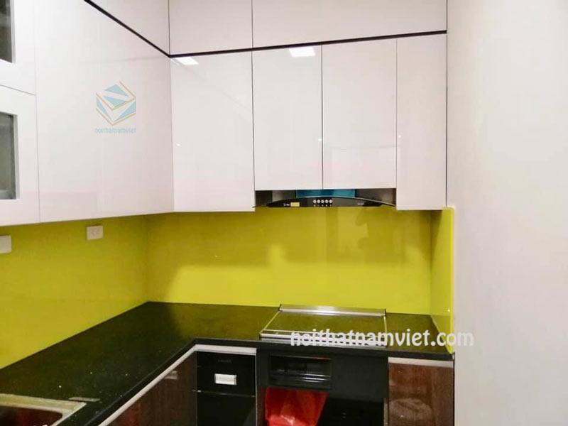 Mẫu tủ bếp gỗ acrylic thùng mdf phủ melamine