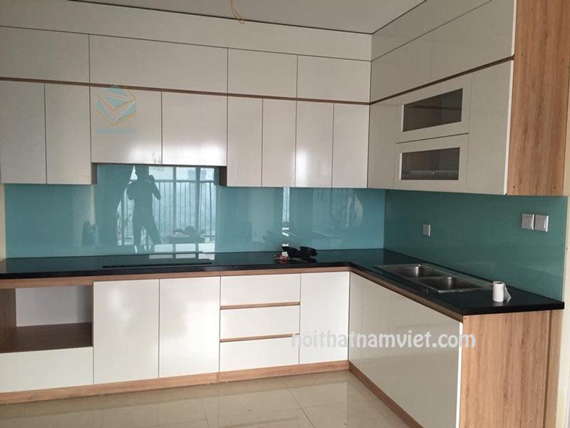 thiết kế tủ bếp acrylic màu trắng đẹp