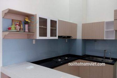 Tủ bếp gỗ MDF phủ melamine chữ U màu vàng vân gỗ MM-0015