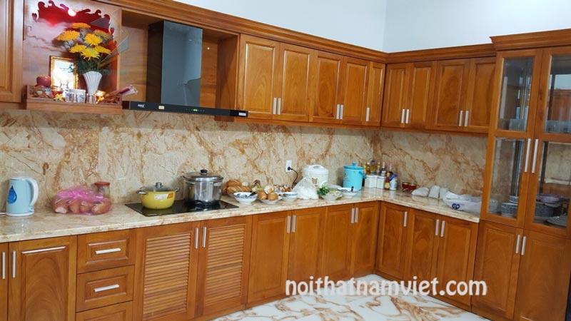 Tủ bếp gỗ sồi Nga đẹp chuyên nghiệp tại quận 1 TPHCM GS-1020