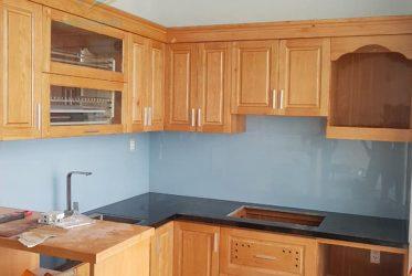 Thi công tủ bếp gỗ sồi tự nhiên đẹp sang trọng đẳng cấp GS-1018 quận 3