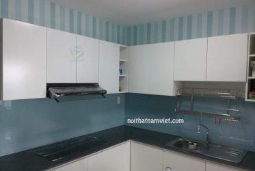 Mẫu tủ bếp MDF phủ Melamine chữ L màu trắng đẹp đơn giản MM-0017