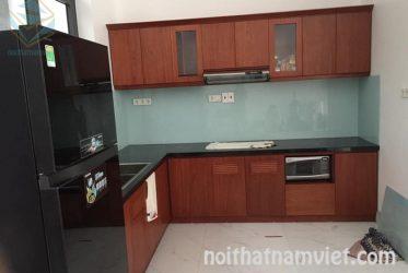 Mẫu tủ bếp gỗ MDF phủ melamine màu vân gỗ cánh gián MM-0021