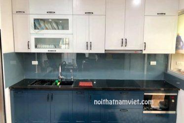Tủ bếp Melamine phủ bóng 2k kiểu châu Âu màu trắng và xanh dương