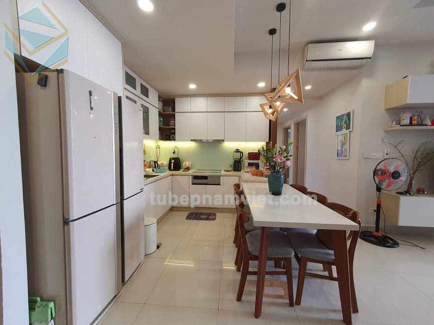mẫu thiết kế tủ bếp gỗ mdf phủ melamine đẹp dành cho căn hộ chung cư Richstar Tân Phú