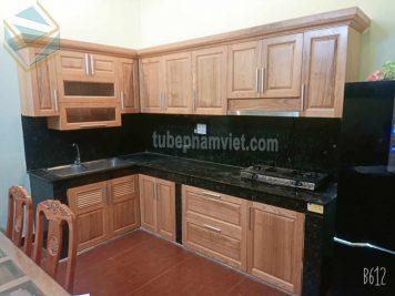 Công-trình-thi-công-tủ-bếp-gỗ-tần bì (ash)-nhà-phố-quận-Tân-Phú