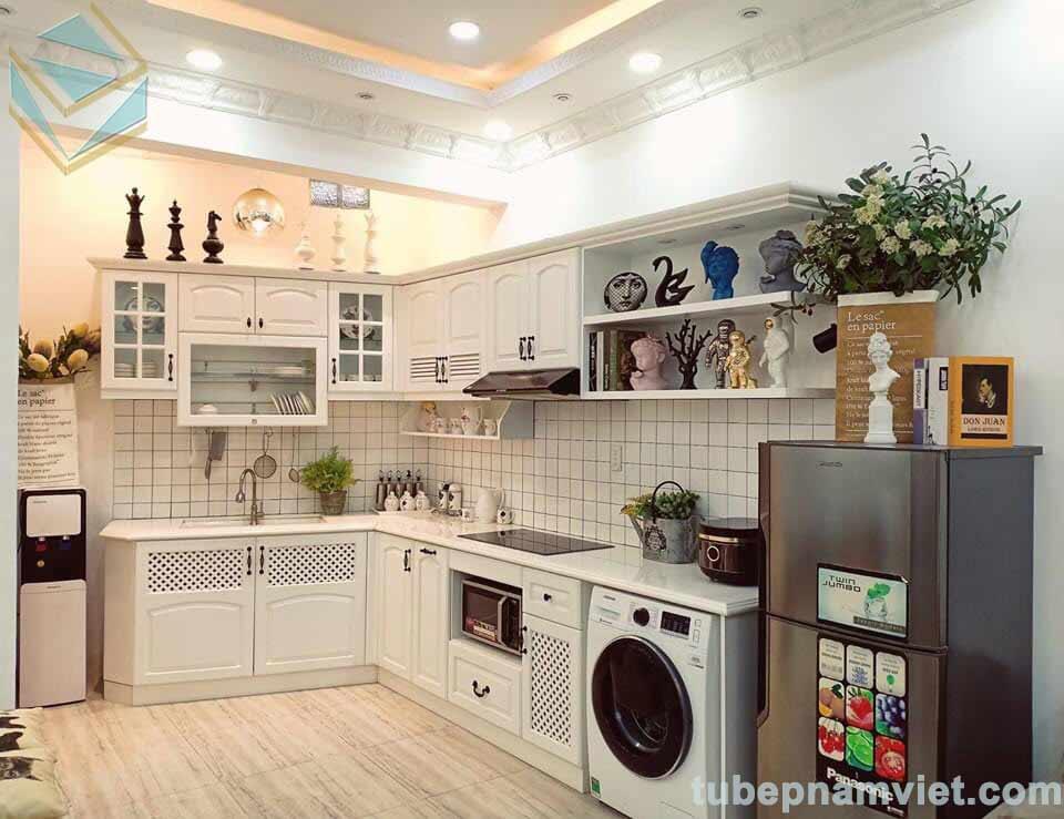 Mẫu tủ bếp gỗ sồi trắng thi công theo phong cách vintage