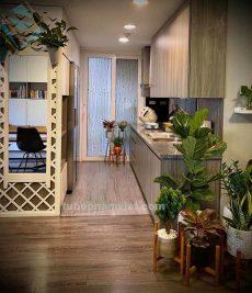 thi công tủ bếp vân gỗ Laminate nhỏ chi phí thấp cho căn hộ