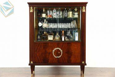 Nhận đóng mẫu tủ rượu gỗ tự nhiên nhỏ đẹp sang trọng TPHCM