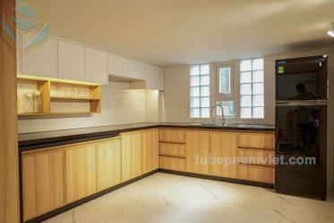 Nhận thi công tủ bếp gỗ công nghiệp đẹp theo phong cách tối giản