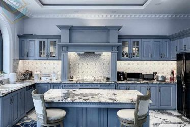 Chiêm ngưỡng tủ bếp gỗ sồi xanh xám có bàn đảo đẹp của nhà nghệ sĩ