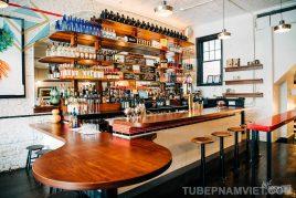 Thi công quầy pha chế rượu bằng gỗ tự nhiên giá tốt tại Quận 1