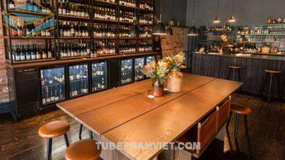 Nhận thi công kệ trưng bày rượu vang nhà hàng giá rẻ TPHCM