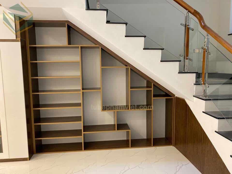 Thiết kế tủ gỗ chân cầu thang đẹp