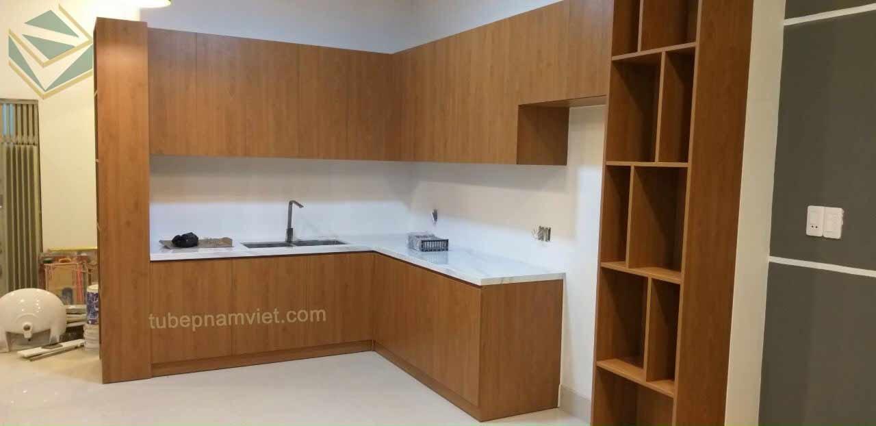 Thi công tủ bếp gỗ Melamine nhà phố quận Thủ Đức giá tận xưởng