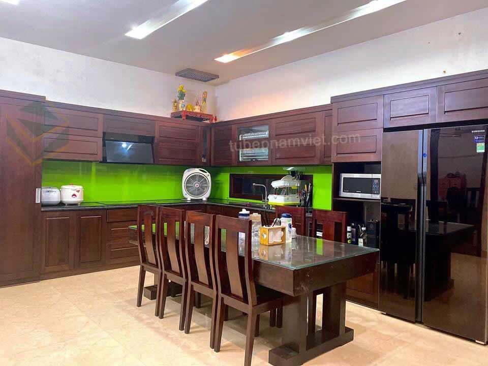 Thi công tủ bếp gỗ tự nhiên cho gia đình Anh Tín tại Biên Hòa
