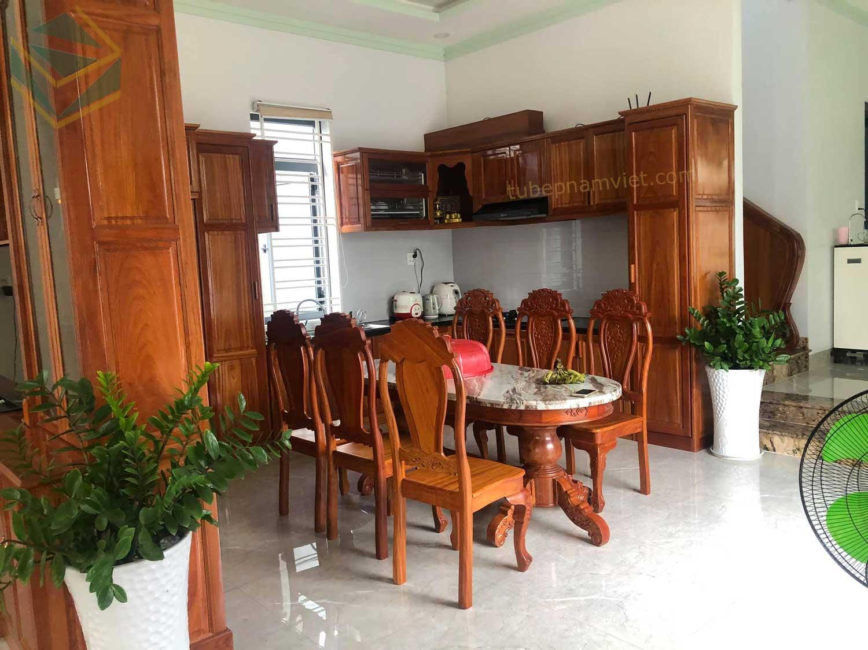 Mẫu tủ bếp gỗ Gỏ Đỏ đẹp sang trọng quận 9