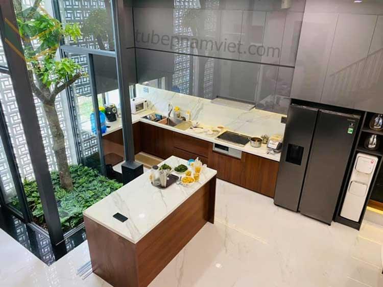 Mẫu tủ bếp nhà diễn viên Thành Đạt