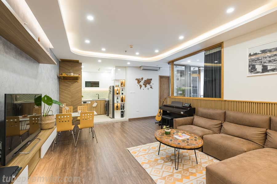 Không gian trang nhã với tone trắng kết hợp vàng gỗ