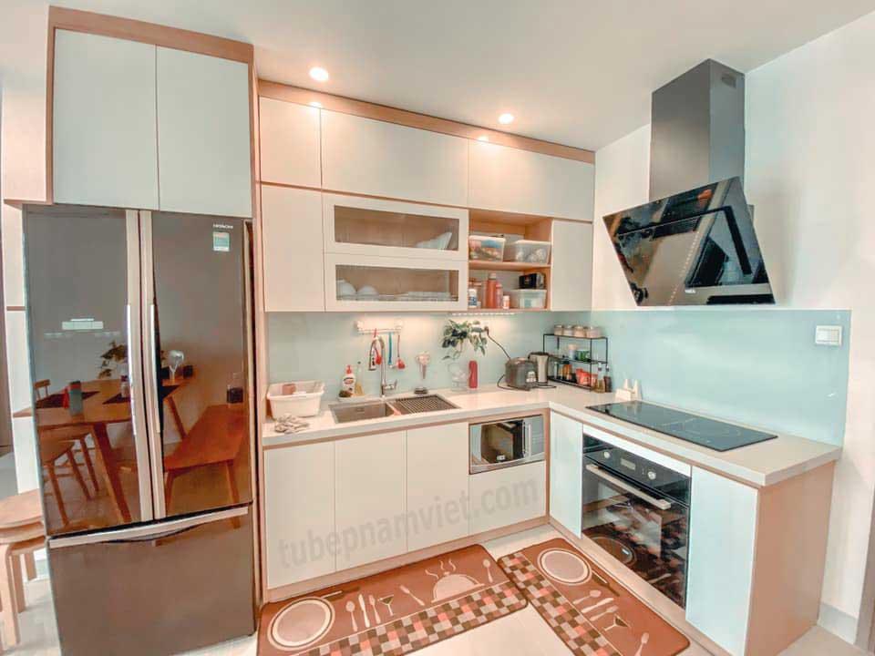Thiết kế tủ bếp gỗ chữ L đẹp cho chung cư