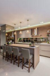 Thiết kế tủ bếp gỗ Melamine màu kem dành cho căn hộ đẹp sang trọng